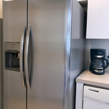 Large American-Style Fridge / Freezer
